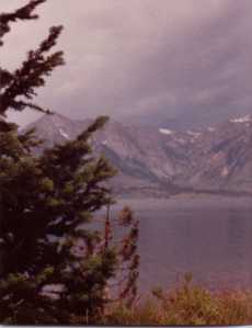 Tetons Natl Park and lake
